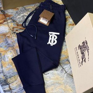 Burberry Men New Model Joggers!!